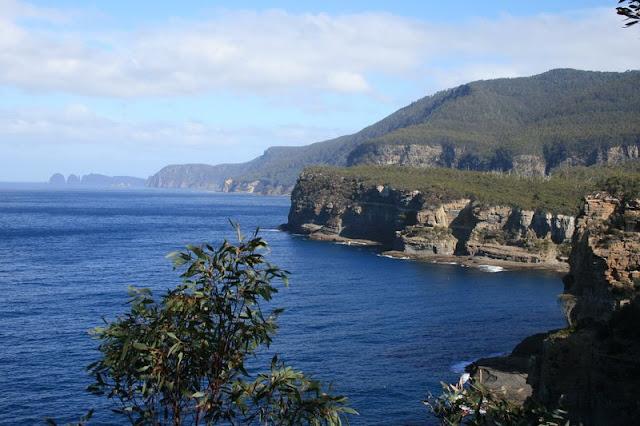 Pirates Bay, Tasmania, Australia - © CKoenig