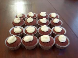 red velvet cupcakes 1