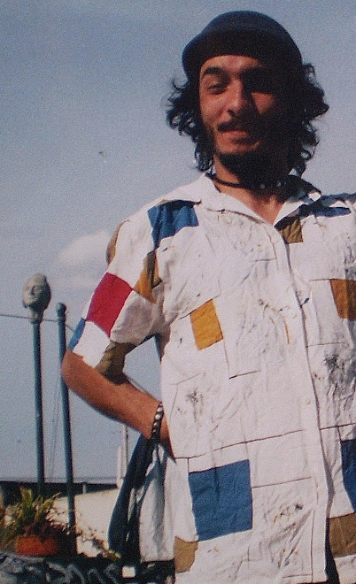 Pintor con camisa Modrian