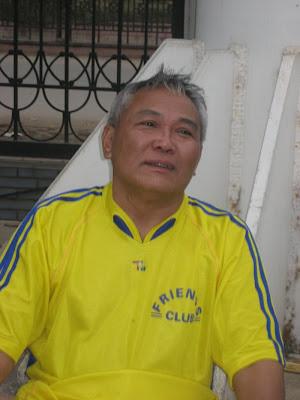 Khóa 2 có bác Phạm Hoàng Thắng (tụt), tuổi đã 62 mà xông xáo hơn cả cánh trẻ.