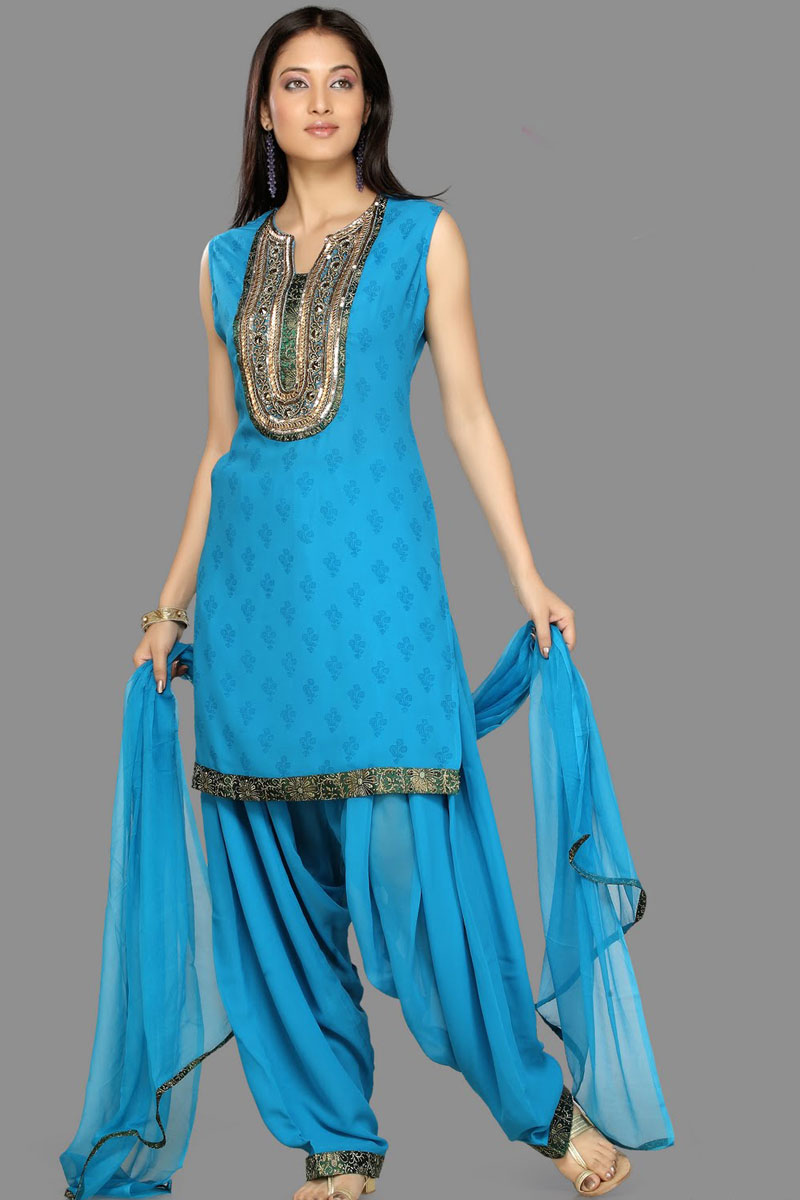Fantastic Indian Women Have Been Wearing Shalwar  Kameez Because It Has Been In Their Culture Since Past Thousands Of Years Not Only Do They Wear Shalwar  Kammez But There Are Many Other Styles Of Clothing For Example A &quotSari&quot Is A Casual