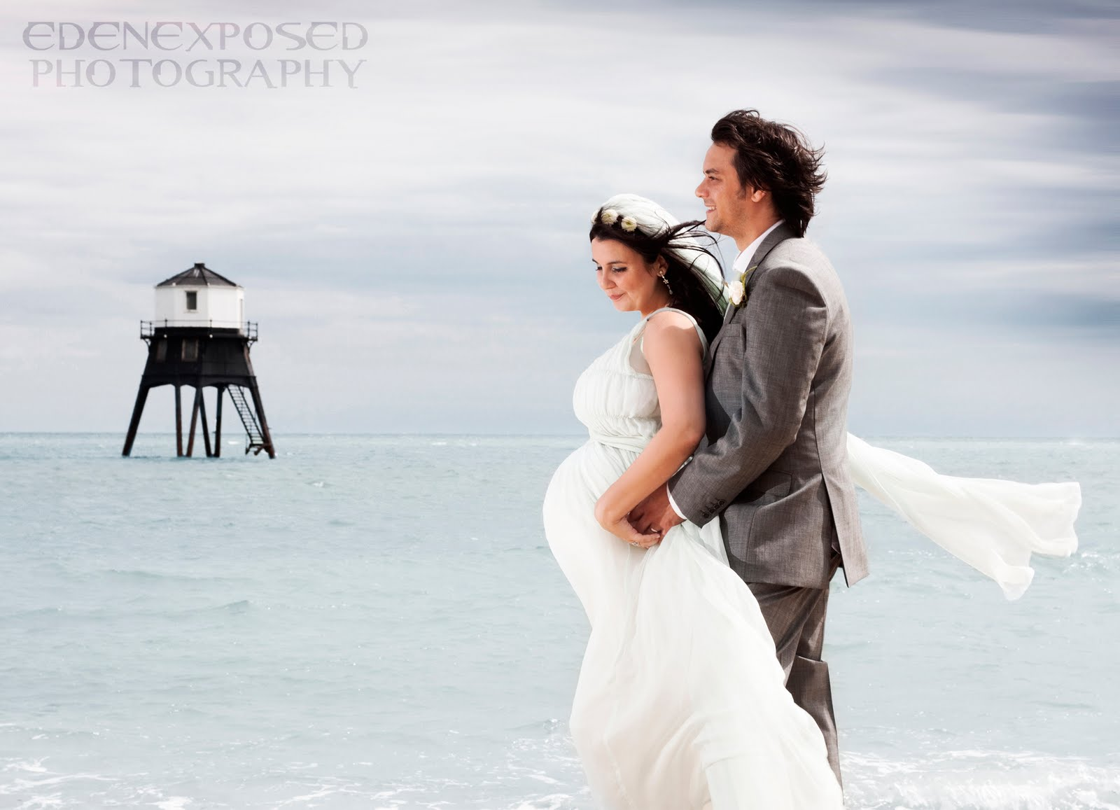 Eden exposed photography for 5 months pregnant wedding dress