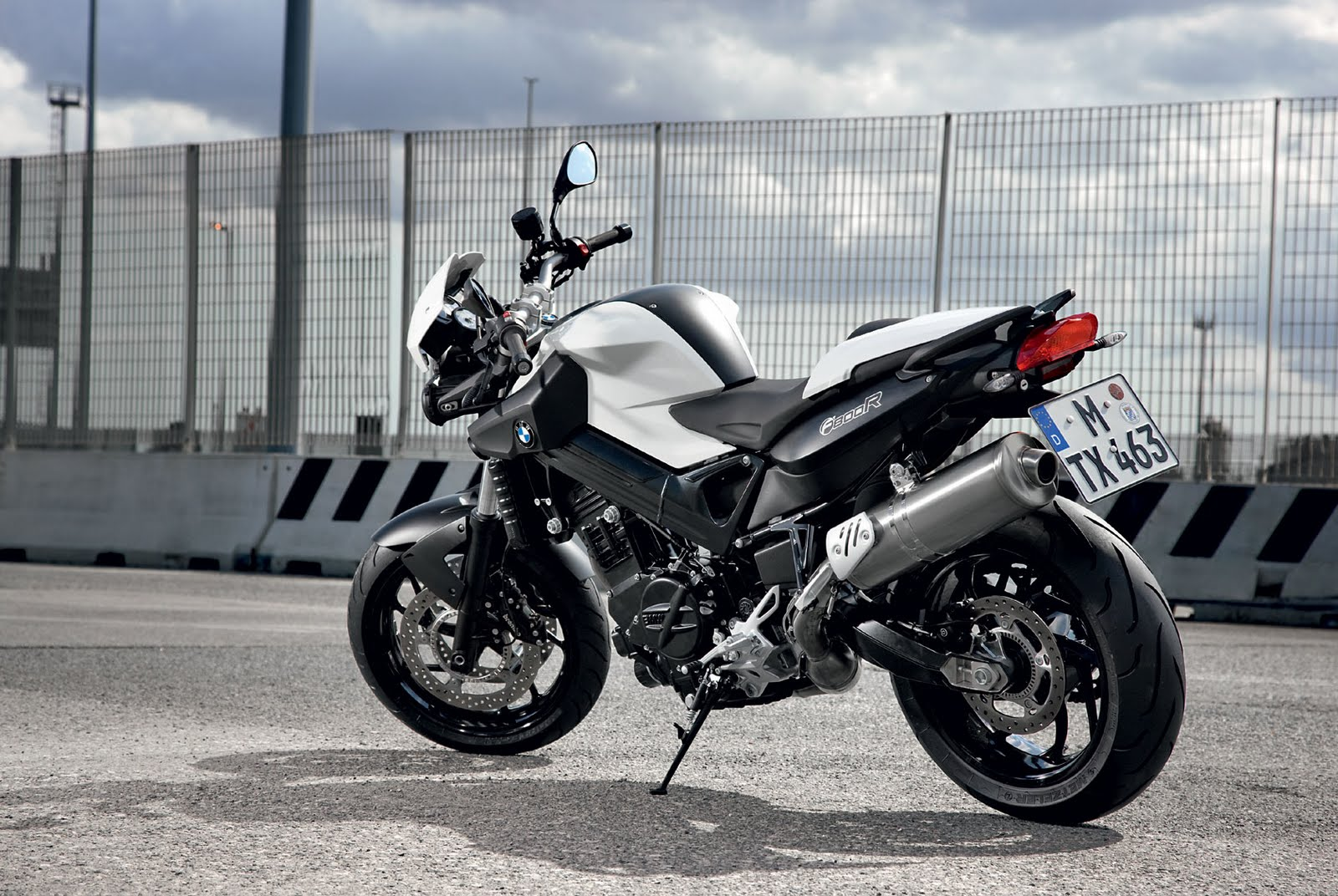 style auto motorcycle  2009 BMW F800R