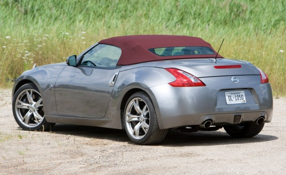 top cars 2010 nissan 370z touring roadster. Black Bedroom Furniture Sets. Home Design Ideas
