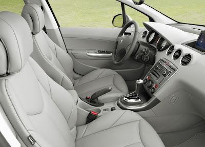 2009 Peugeot 308 SW interior