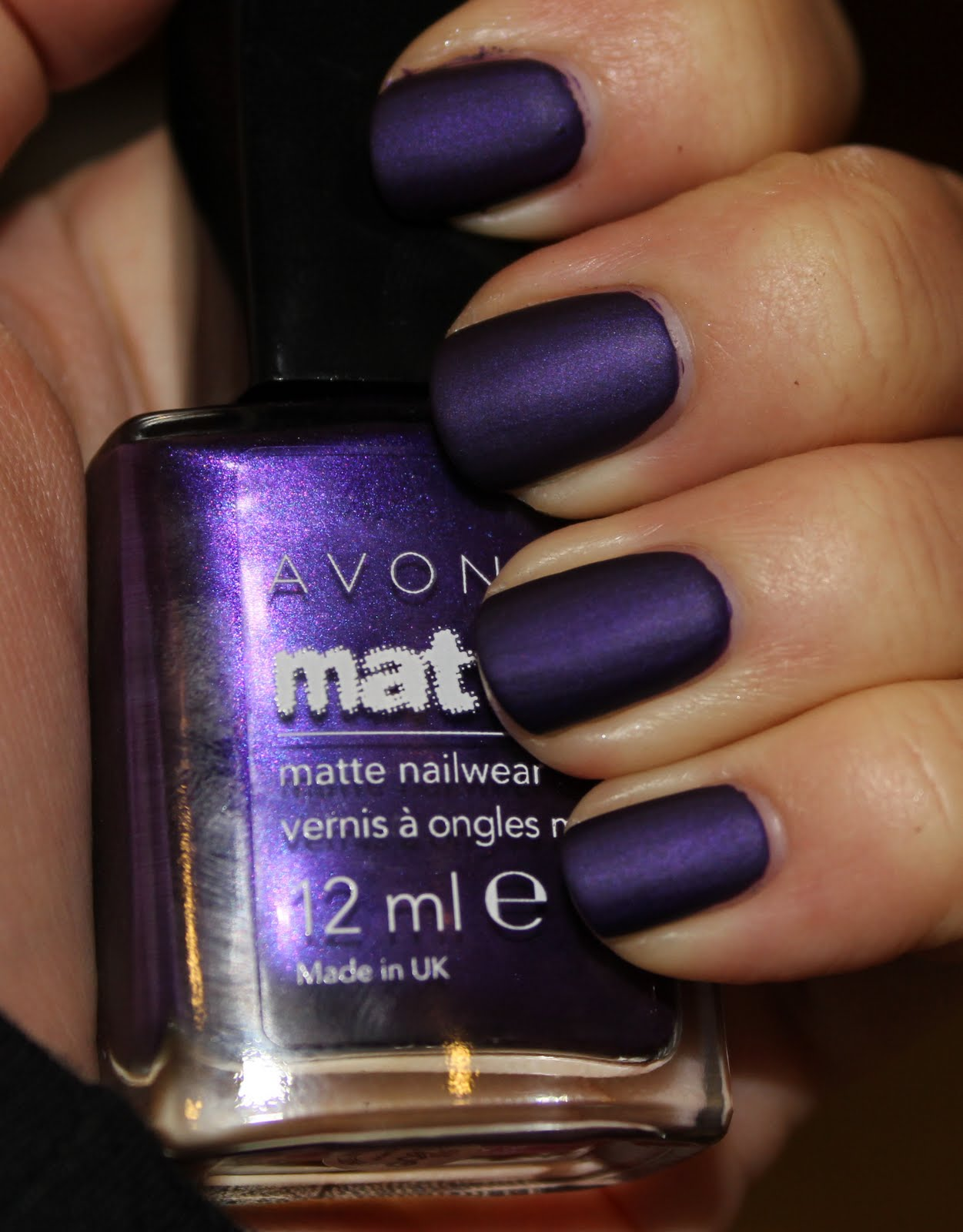 New Must Have Nails: Avon Violetta - Fleur De Force