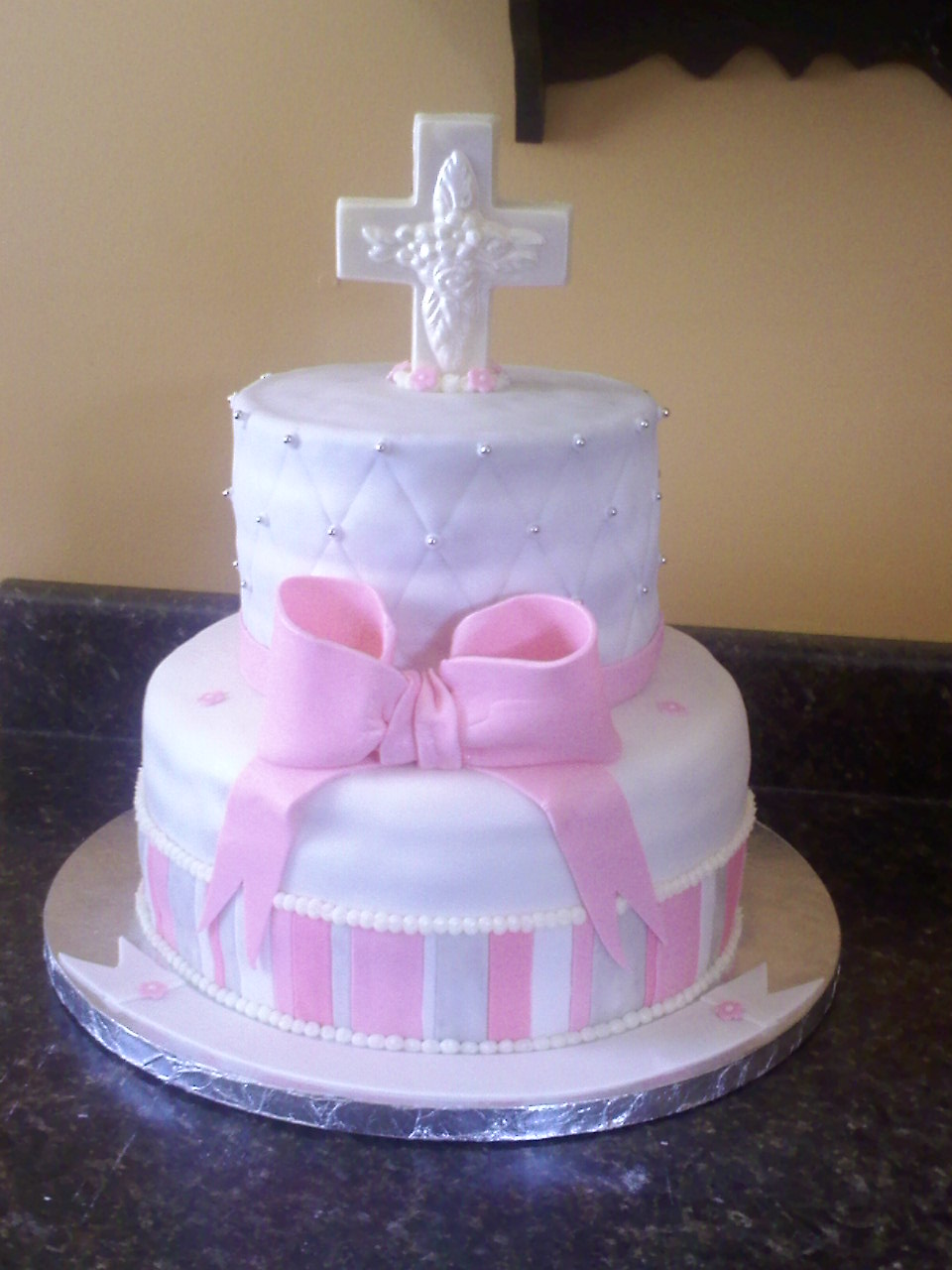 Images Of Cake For Christening : Lick Your Lips Cakes: Baptism Cake & Cupcakes