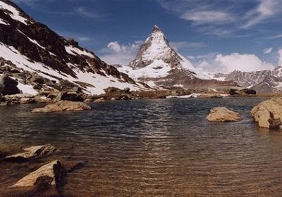 8 of the Most Beautiful Mountains in the World Seen On Coolpicturegallery.blogspot.com