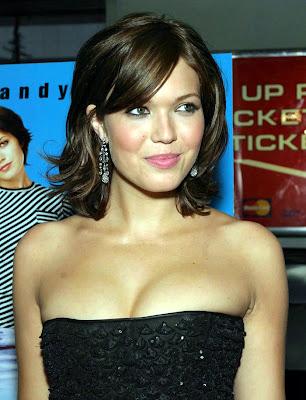 Mandy Moore Sexy Photos
