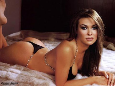 Hot Carmen Electra In Bikini