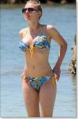 Scarlett Johansson looking HOT in BIKINI