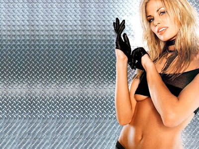 Sexy Celeb Pictures- Brooke Burns