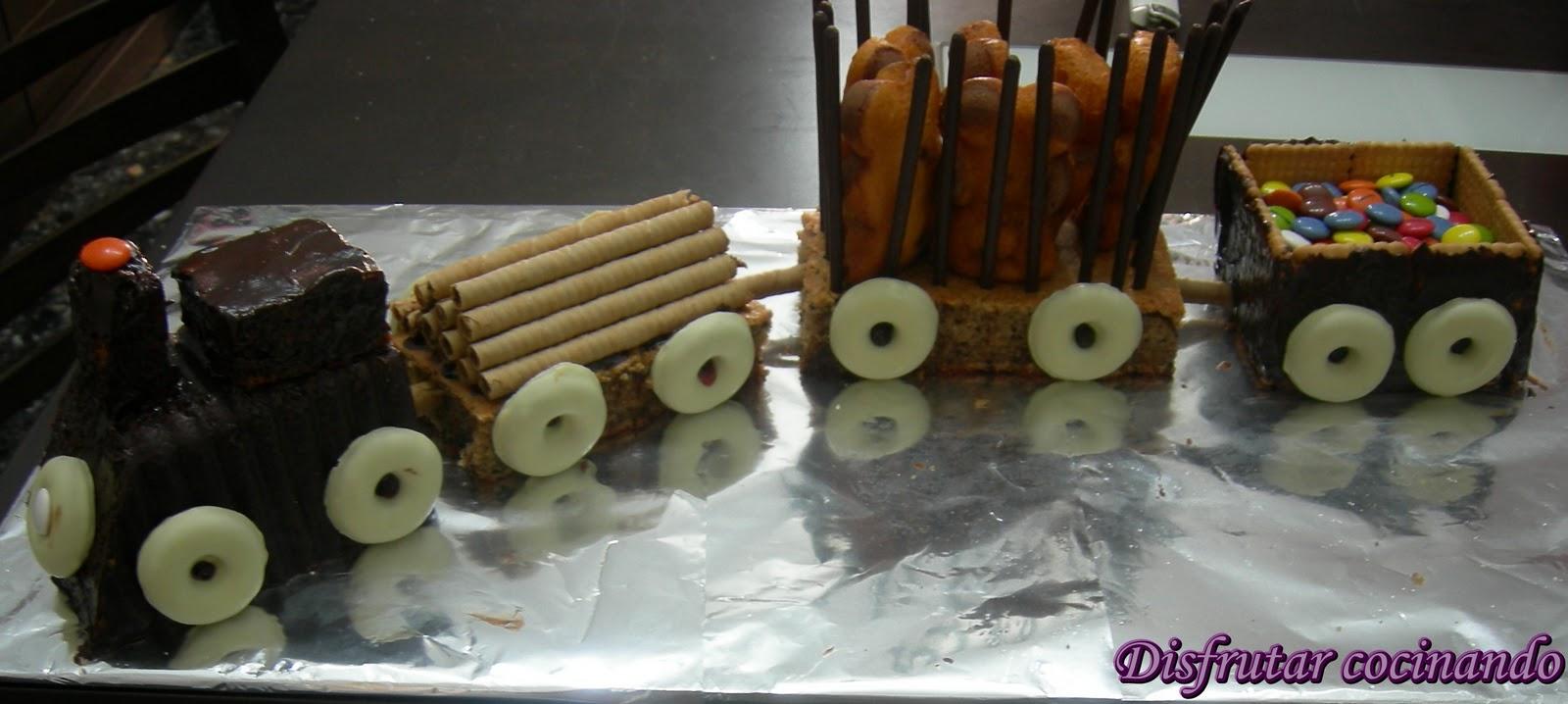 Disfrutar cocinando tarta tren de cumplea os y cupcakes - Casa del agua cumpleanos ...