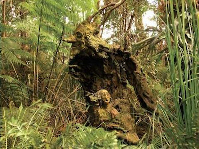 http://1.bp.blogspot.com/_osrVjnPbdEM/TA_-YgQRDYI/AAAAAAAAdGA/-tGi9-4o7ug/s400/Garden_wooden_sculptures_3.jpg