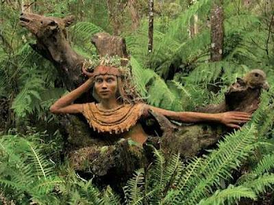 http://1.bp.blogspot.com/_osrVjnPbdEM/TA_-juWFWuI/AAAAAAAAdGo/REJPh1Bz0hk/s400/Garden_wooden_sculptures_7.jpg
