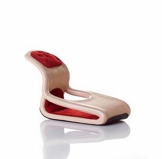 http://1.bp.blogspot.com/_osrVjnPbdEM/TKRcfpqJRBI/AAAAAAAAfq8/05qmyoPvsQg/s400/Weird_Shoe_Designs_17.jpg