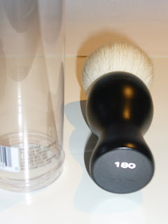 MAC 180 Professional Face Buffer Blending Brush