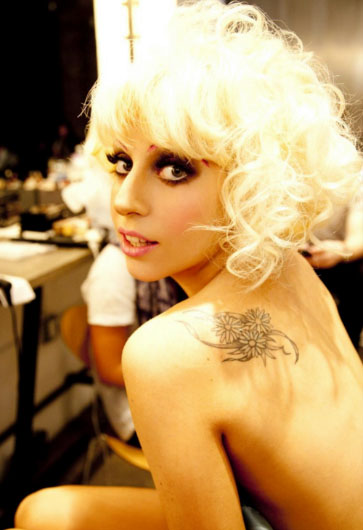 Lady_Gaga_Twitter_Queen, Lady Gaga nabs 'Twitter Queen' crown from Britney