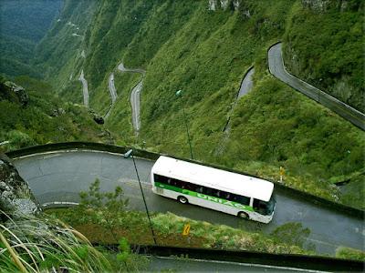 http://1.bp.blogspot.com/_ot4nEdy31dY/TLP04QEblPI/AAAAAAAADg4/J7U-5U_HURo/s1600/Halsema_Highway_Philippines.jpg