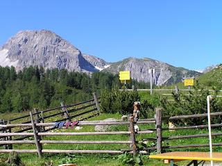 Devant la Südwienerhütte