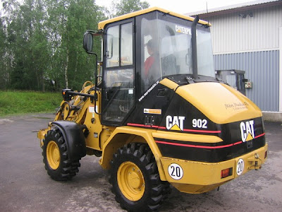 CAT 902 Wheel Loader