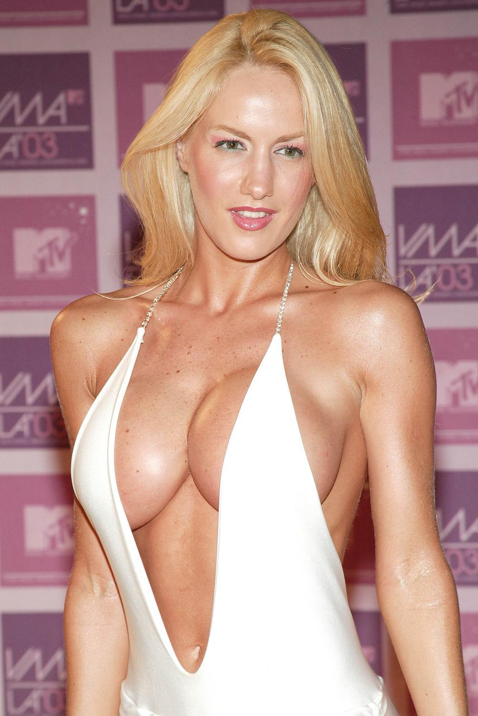 http://1.bp.blogspot.com/_otYSffaXp0Q/SwcOBttBCBI/AAAAAAAAHiA/rEkESDFOzwI/s1600/luciana+big+50.JPG