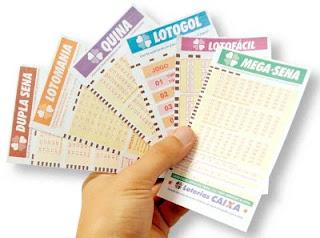 Livro ensinando como ganhar na loteria