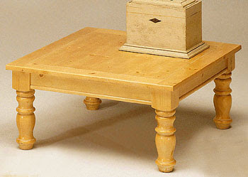 While I Don T Love The Finish This Table Has Great Bones I Love The Rounded Legs Square Top And It S The Perfect Size To Accessorize And Leave A Space For