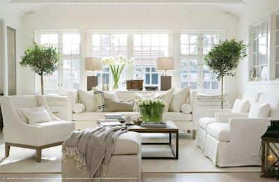 Hvite stilrene tidløse interiører