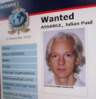 Викиликс, Джулиан Ассанж