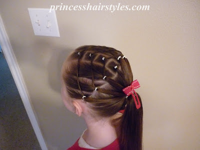 rubber band hairstyle