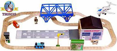 Thomas and Friends Jeremy jet Airfield set track layout completely surrounds Sodor airport runway