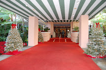 Beverly Hills Hotel Christmas