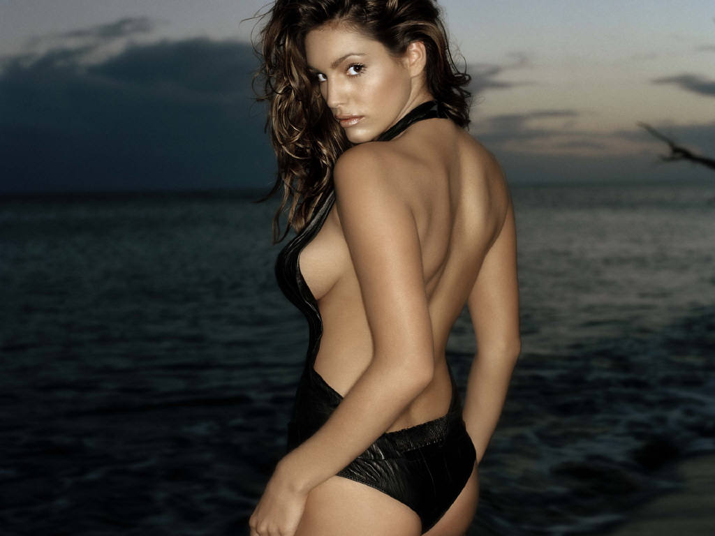 http://1.bp.blogspot.com/_p2EstT5Z5BU/THda9CpTcTI/AAAAAAAAAZI/9lwSDkzZMAU/s1600/Kelly+Brook+Wallpapers+kelly-brook-4.jpg