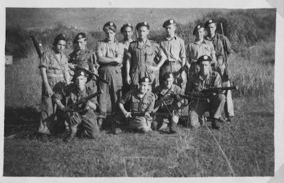 knil+group+picture+soldiers+officer+officers.jpg