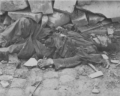 kumpulan foto korban perang dunia II