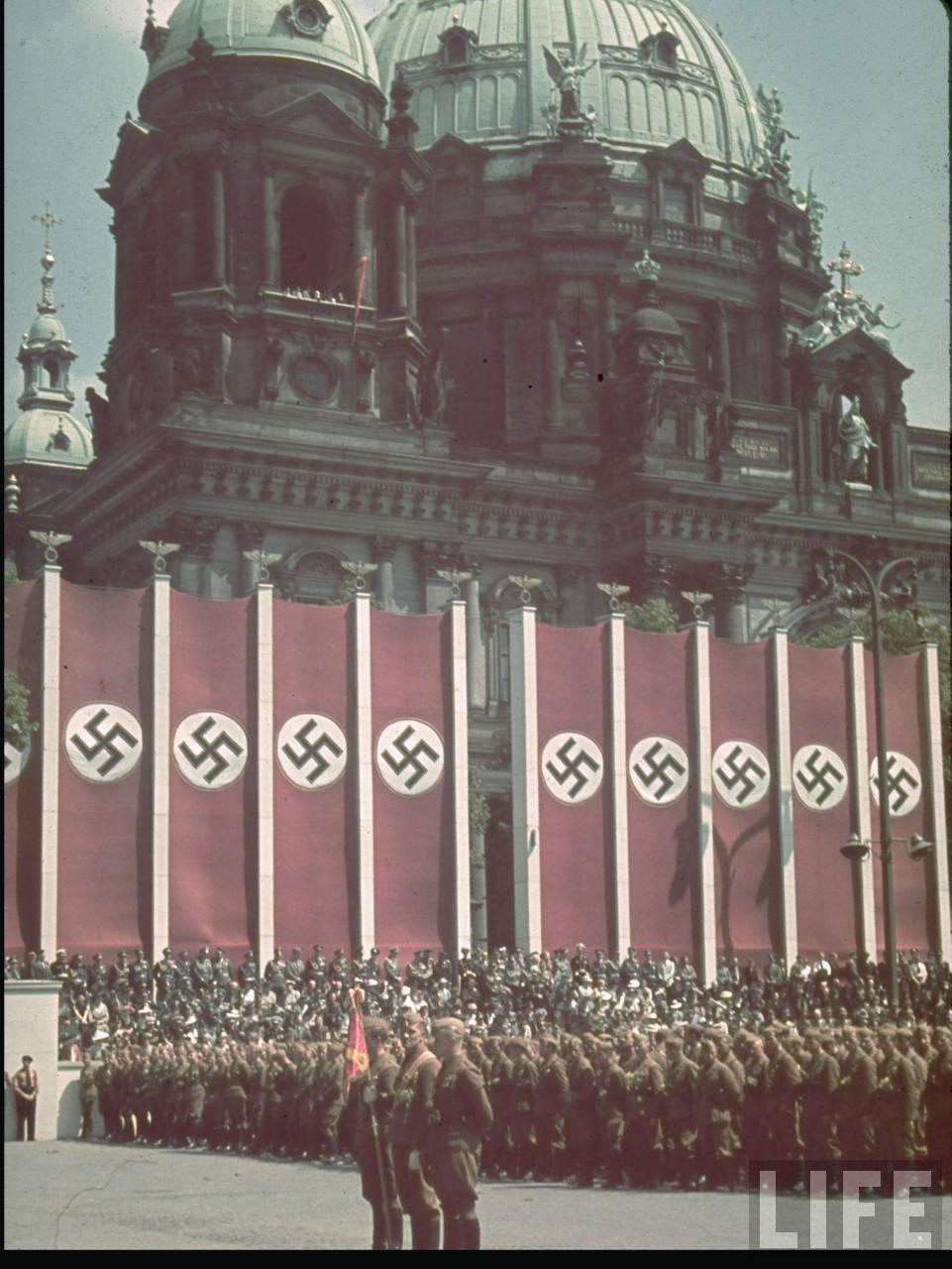 la légion condor et aviation italienne Legion+Condor+on+its+return+from+Spain+in+Berlin,+6+June+1939h