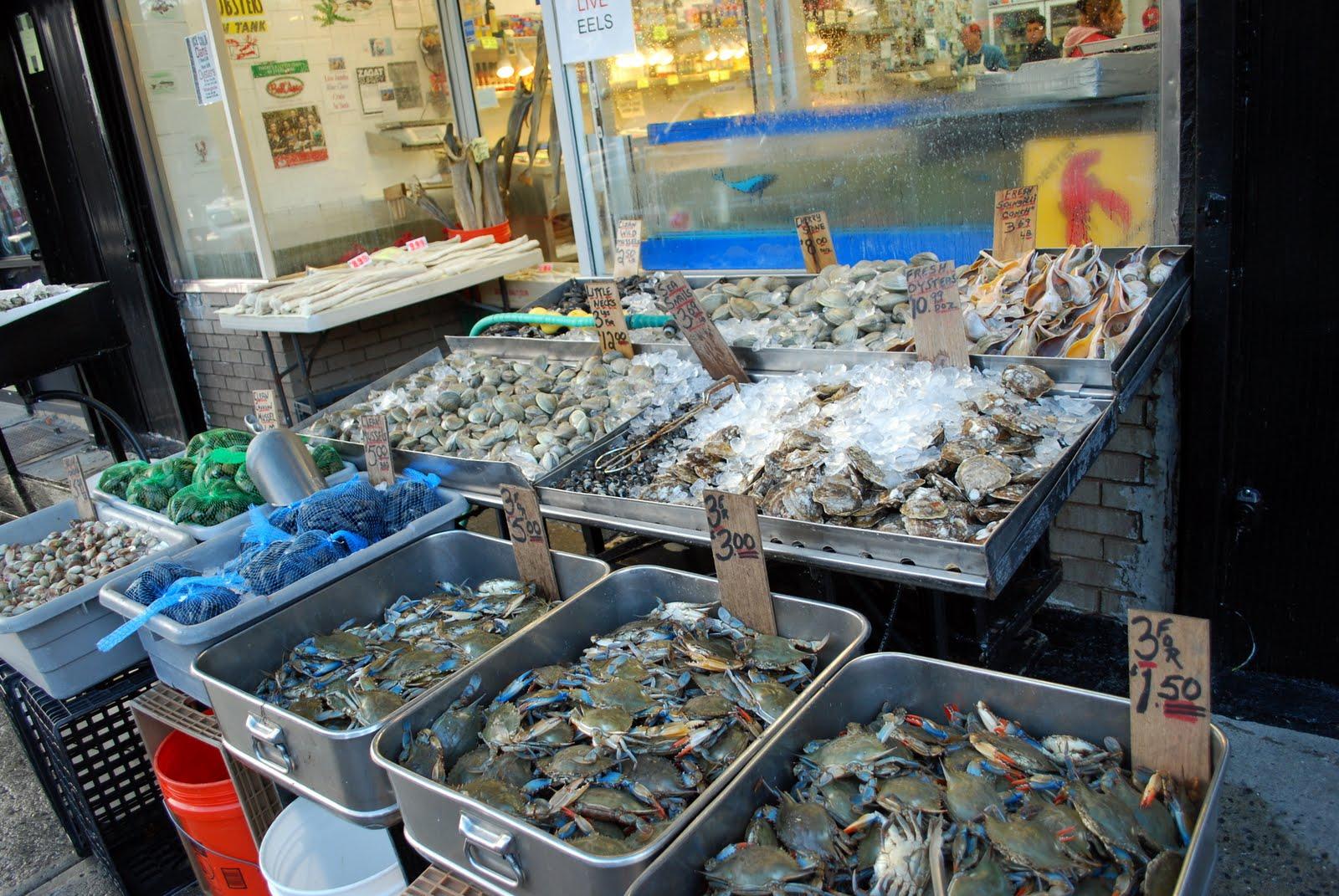 Mille fiori favoriti arthur avenue in the bronx is for Fish market bronx