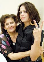 ANNETTE Y SU MAMI..!!