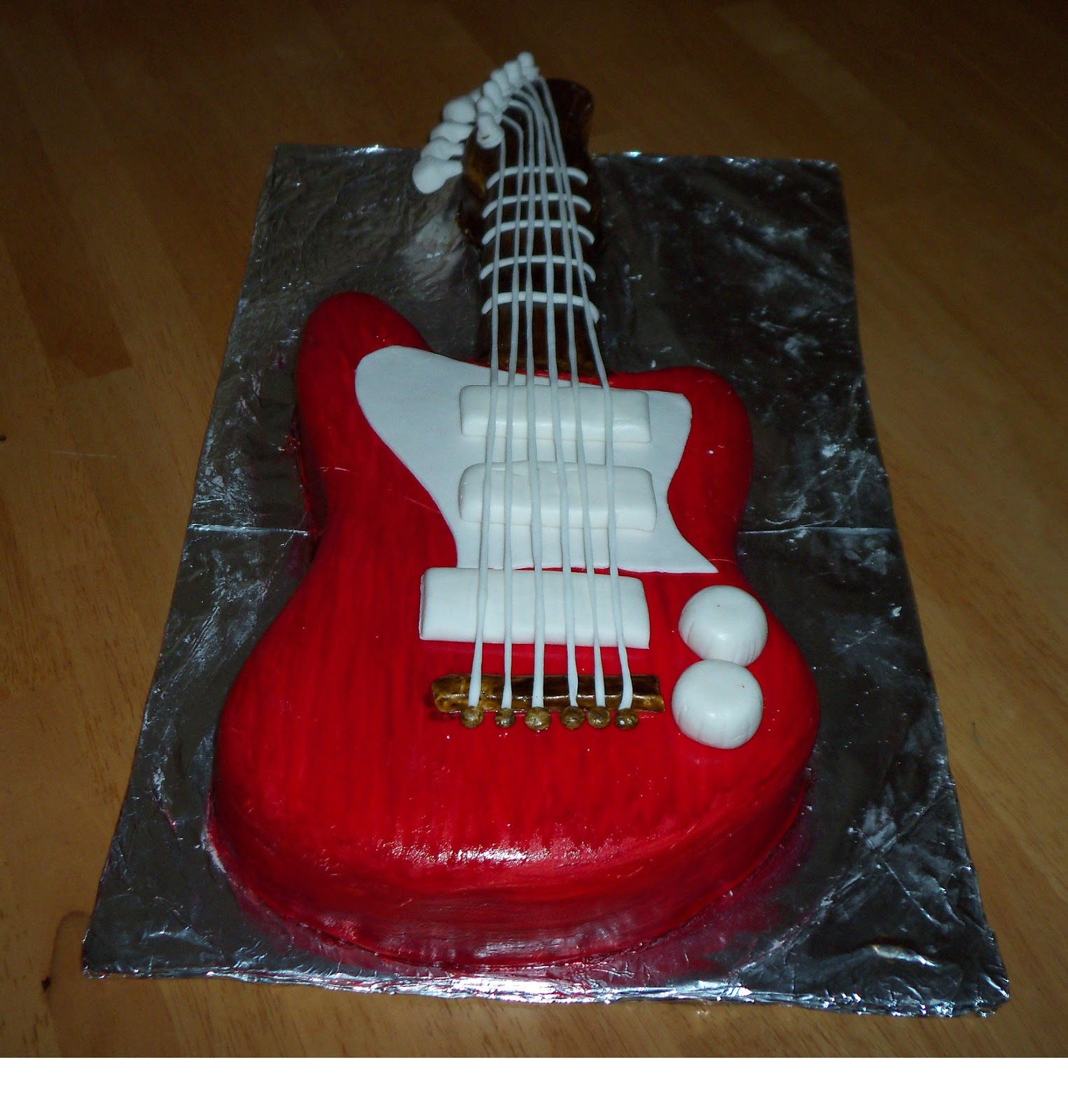 Mimo 39 s custom cakes guitar cakes for Guitar templates for cakes