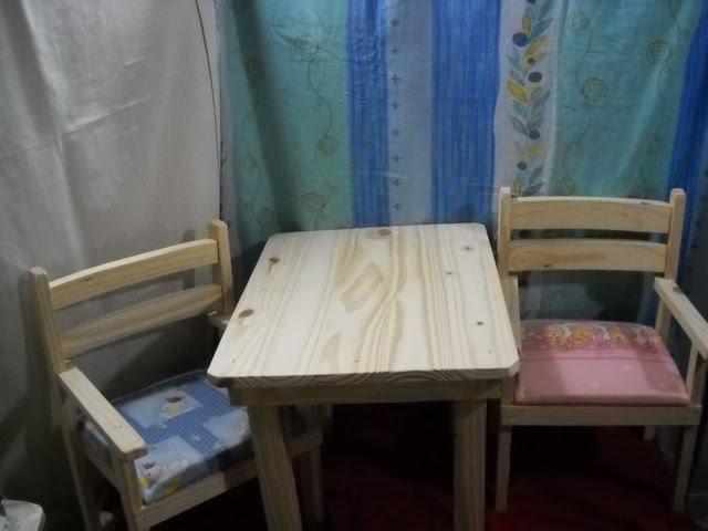 Jr mesas y sillas parachicos mesa de pino con sillas - Sillas y mesa infantiles ...