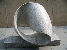 Concrete Moebius Strip in the Balimore Museum of Art by Max Bill