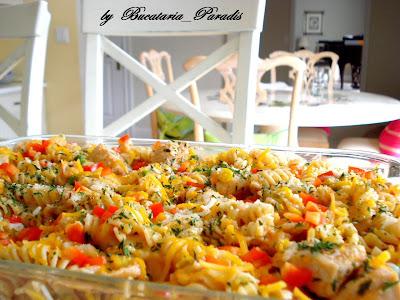 Articole culinare : CHEESY CHICKEN & SALSA SKILLET (cu rotini pasta)