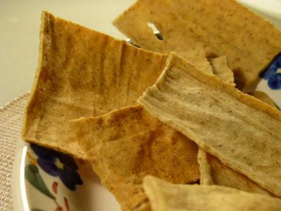 hay que preparar un montón de placas de masa para que te salga pan para la semana porque en el tamaño estándar de horno te liquidas cada bandeja en una sentada