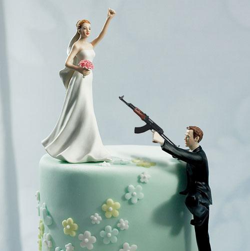 Diversao e piadas bolo casamento com metralhadora - Cosas para preparar una boda ...