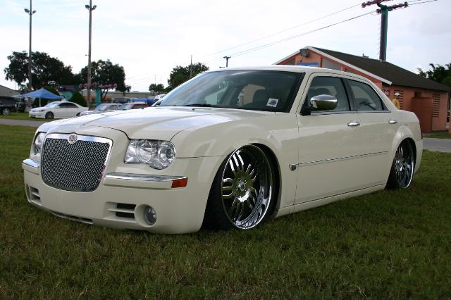 2005 chrysler 300c with Chrysler C300 E 300c on Hhp414ksb57 further File Chrysler 300C SRT8 as well Chrysler Pacifica Cars Wallpapers likewise Chrysler C300 E 300c further Chrysler 300c.