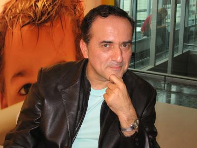 Yazar Murathan Mungan okuyucularına ve kitapseverlere yeni kitaplarından pasajlar okudu