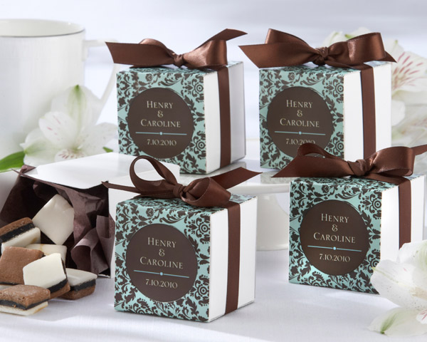 Wedding Favor Boxes For Chocolates : ... Bridal and More: Chocolate and Turquoise Damask Wedding Favor Boxes