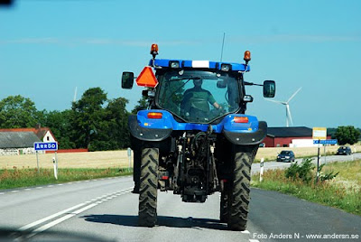 Årröd traktor blå blue tractor