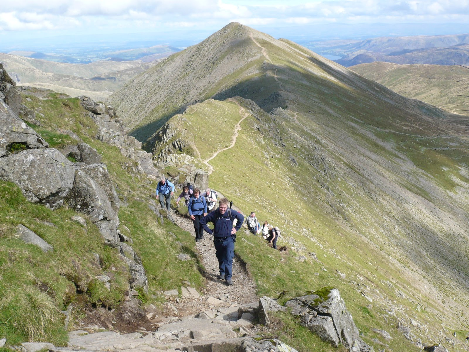 Hartsop hall cottages 171 walking holiday cottages walking - Colin The Groups Treasurer Leads The Way Over Swirral Edge